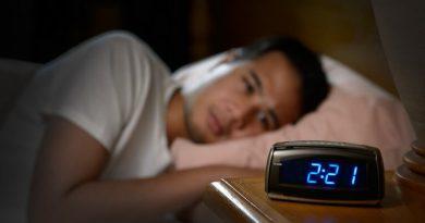 Homme qui ne trouve pas le sommeil - Sommeil
